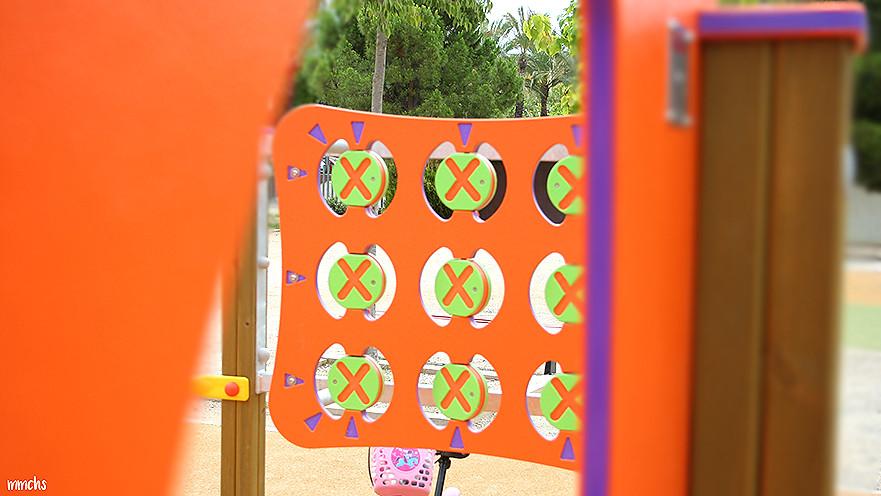 zona de juegos del parque central de Paterna 3 en raya