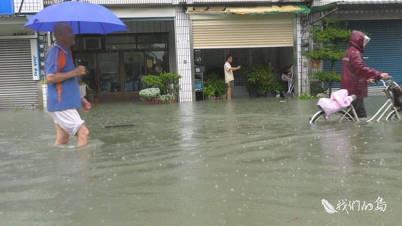 去年823水災,極端氣候強降雨造成高雄台南嘉義嚴重災情。圖片來源:我們的島。