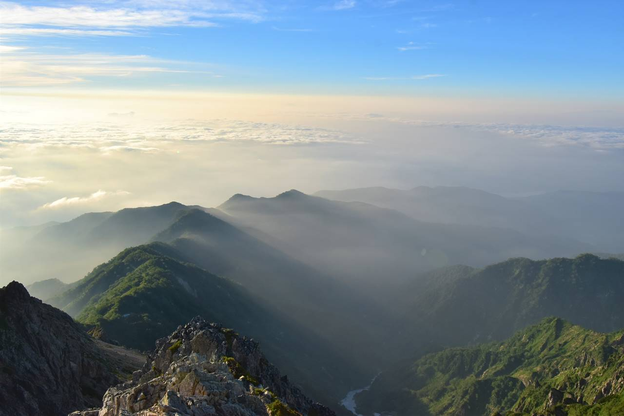五竜岳山頂からの雲海