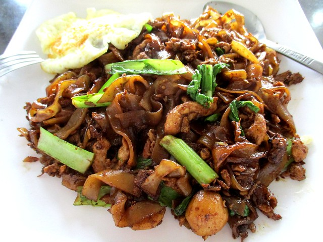 Fried kway teow 2