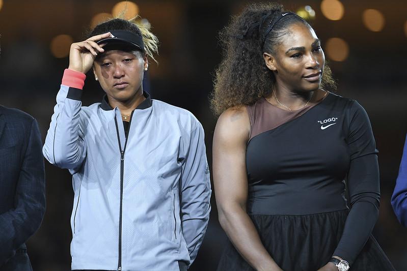 美網女單決賽判決引發風波,頒獎時觀眾的噓聲讓勝者大坂直美哭喪著臉。(達志影像資料照)