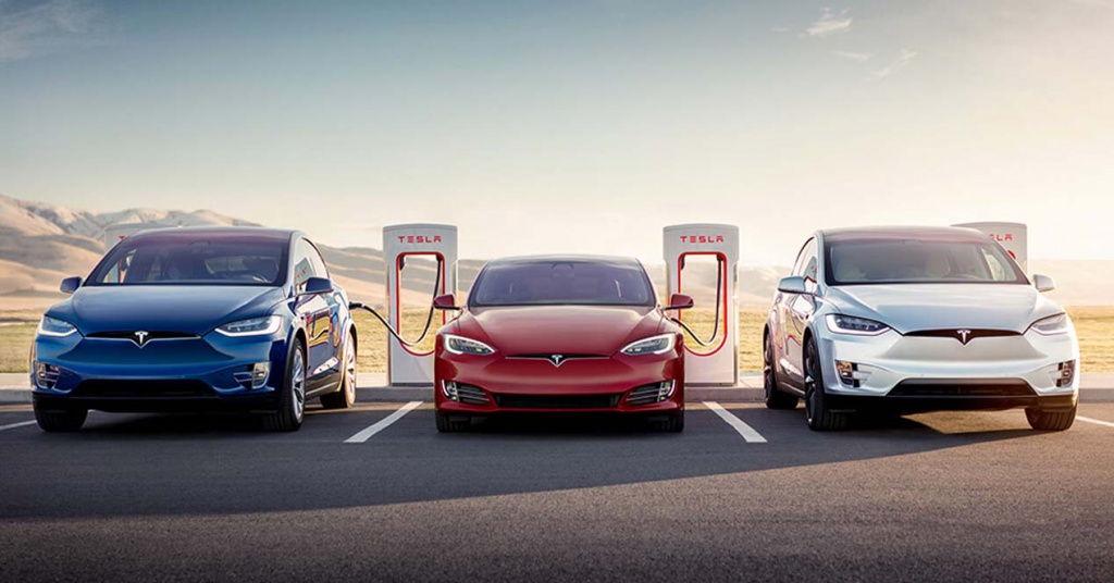 Se acabó: Tesla deja de ofrecer carga gratis en sus 'supercargadores'