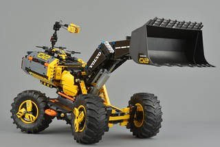 Review: 42081 Volvo Concept Wheel Loader ZEUX