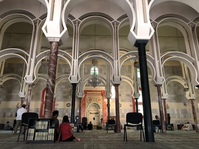 Interior de la Mezquita de la M-30 (Madrid)