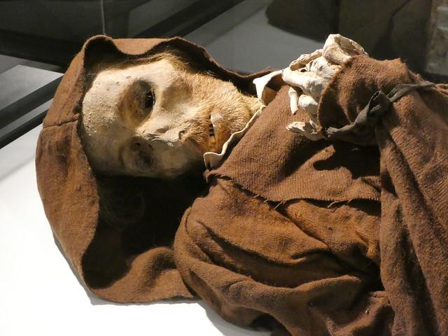 Momia Van Gogh en el museo de las momias de Quinto