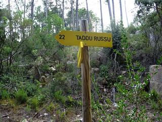 Panneaux PR2 en haut de la montée de Petra Stretta sur la piste de Luviu