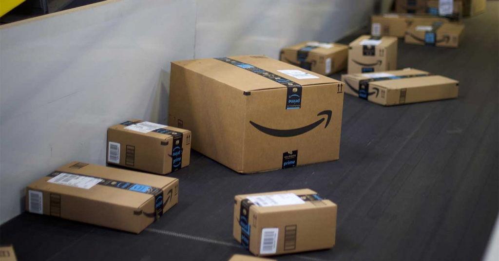 Amazon está usando paquetes falsos para descubrir qué empleados los roban