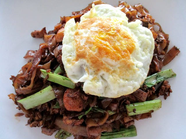 Fried kway teow 1