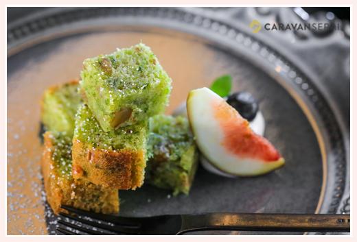 黒猫とほうき@Tane Cafe 焼菓子 野菜のケーキ きな粉 小松菜とくるみ