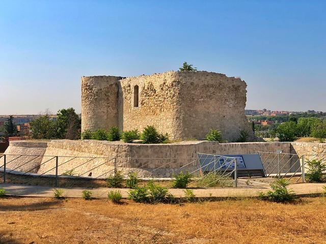 Castillo de la Alameda (Barajas, Madrid)