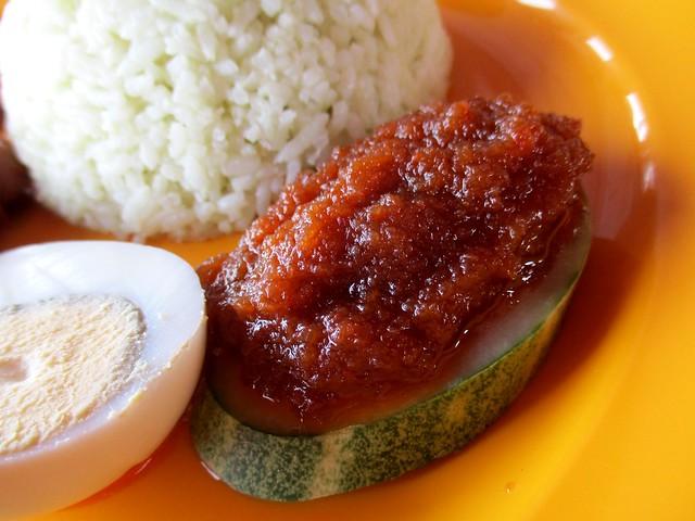 Nasi lemak sambal