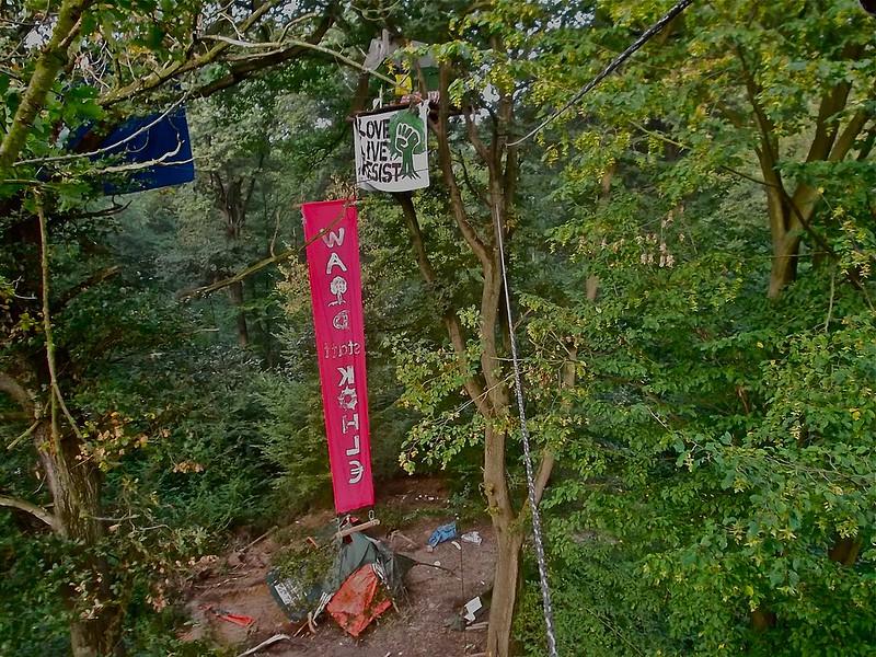 漢巴赫森林佔領運動現場。圖片轉載自維基百科。