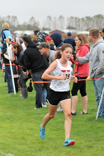Alexis Wasserberg Runs Cross Country for Yorkville