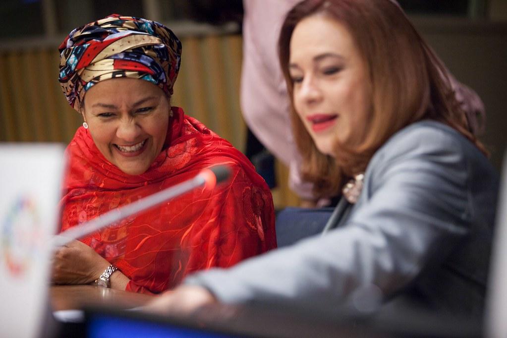 左:聯合國副秘書長阿米娜‧穆罕默德(Amina J. Mohammed)。右:第73屆聯合國大會主席埃斯皮諾薩(Maria Fernanda Espinosa Garces)。圖片來源:Ariana Lindquist /UN