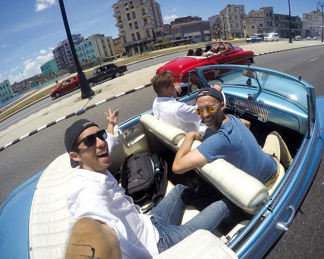 Sin seguro de viaje para Cuba no me monto así en este coche ni loco