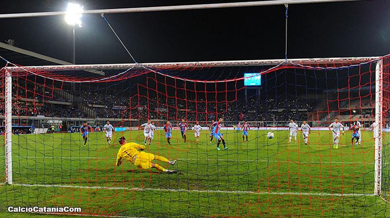 Il gol di Lodi al Trapani: il match di ritorno si giocherà il 13 febbraio in notturna...