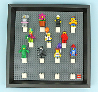 Review:  5005359 Minifigure Collector Frame