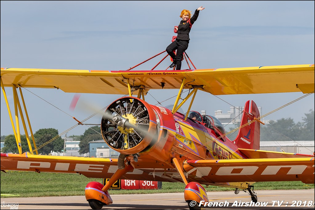 Showcat NX7699 Gene Soucy & Teresa Stokes Wingwalking EAA AirVenture Oshkosh 2018 Wisconsin Canon Sigma France contemporary lens Meeting Aerien 2018