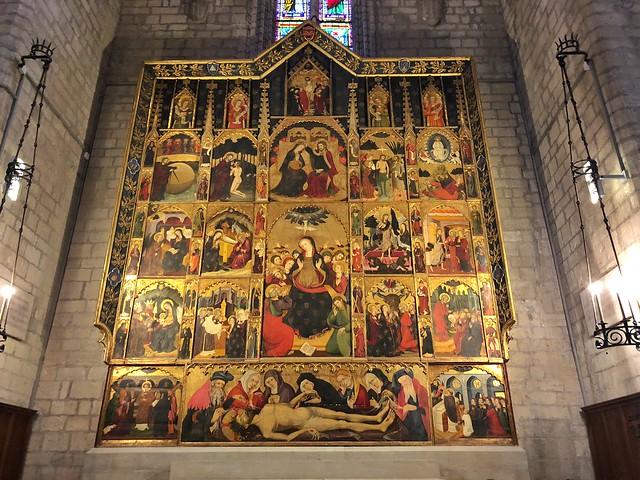 El retablo del Espíritu Santo de Pere Serra en el interior de la Seu de Manresa