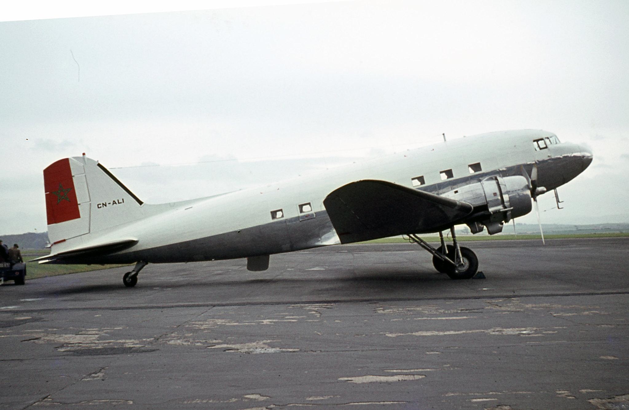 FRA: Photos anciens avions des FRA - Page 10 44591913484_3c76fbf11e_k