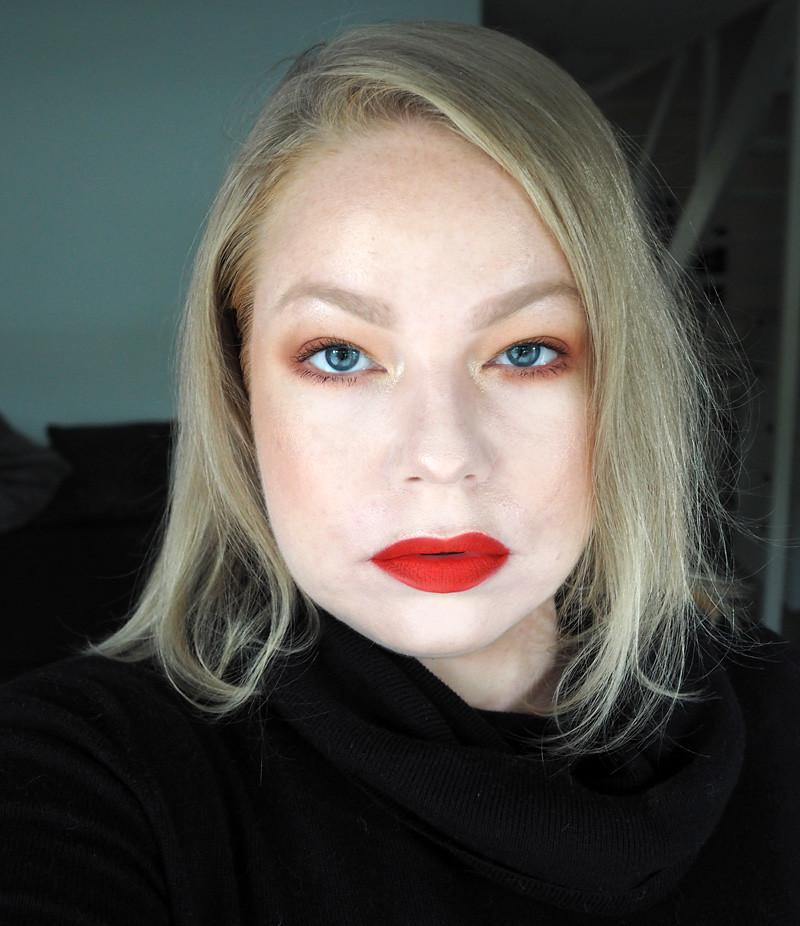 orange makeup smashbox thrill seeker