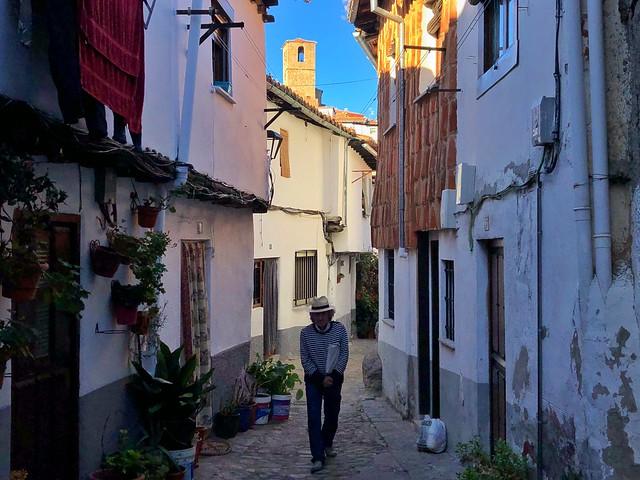 Chano, que nos guió durante nuestra visita a Hervás, nos dijo que la Calle Sinagoga es de sus favoritas