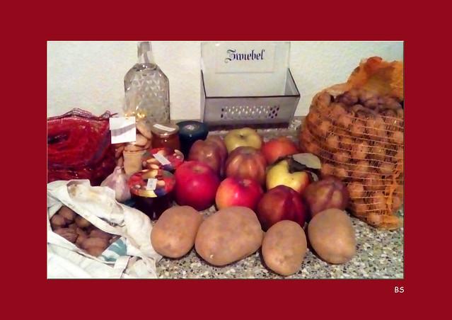 Margit backt Apfelkuchen und  Buchweizentorte ... Foto: Brigitte Stolle