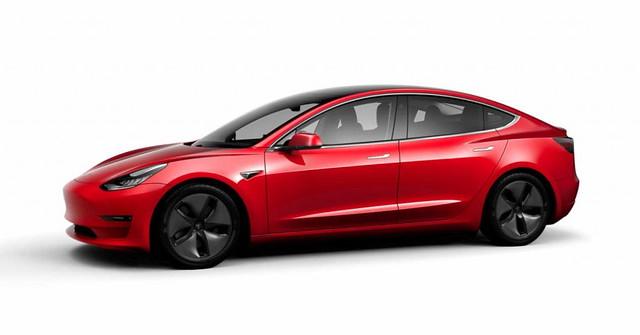 Tesla lanza un Model 3 más barato