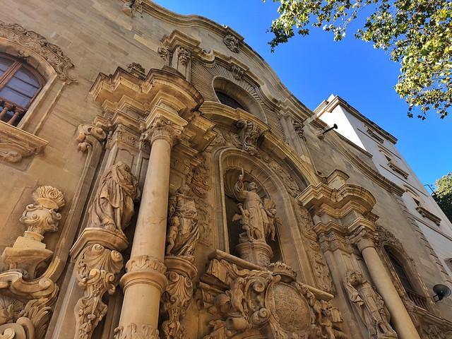 Fachada de la iglesia de la Compañía de Jesús en Manresa (Cueva de San Ignacio)