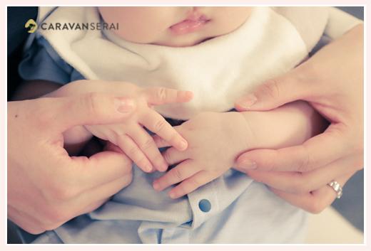 赤ちゃんの手のアップ