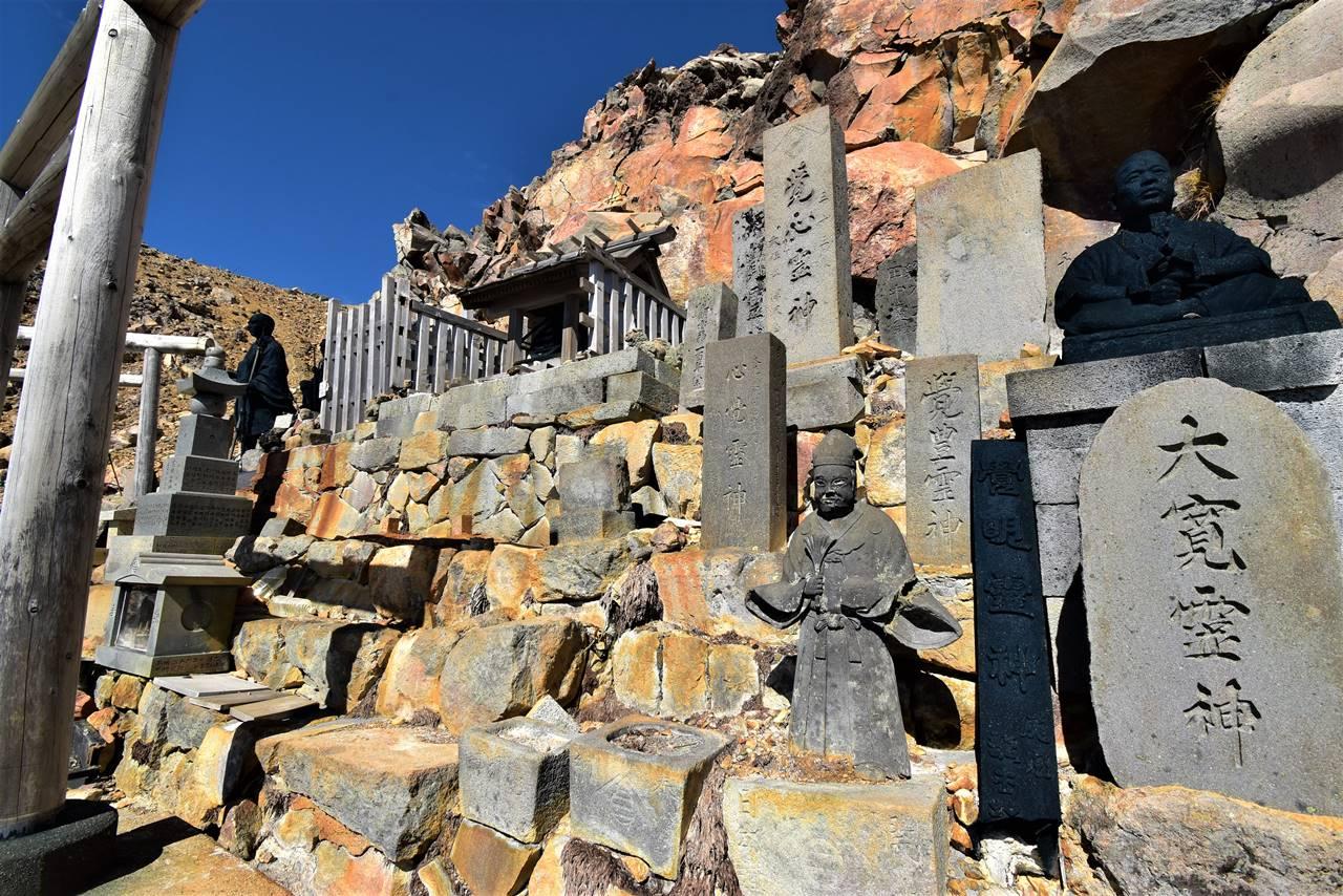 御嶽山の仏像