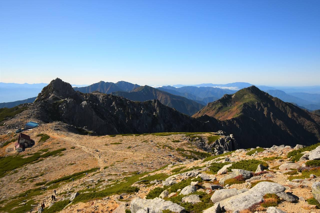中岳山頂から眺める宝剣岳~空木岳・三ノ沢岳の展望