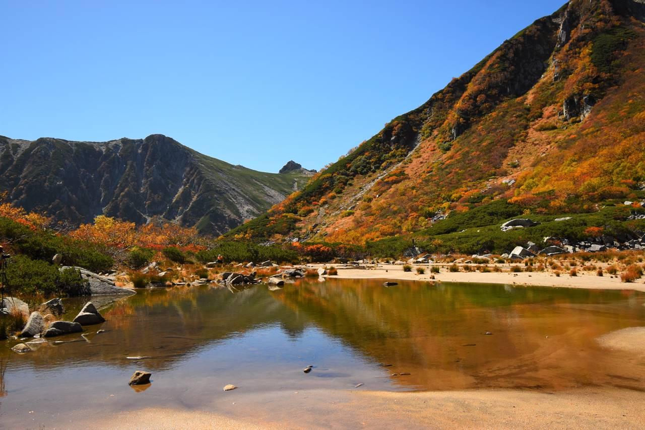 濃ヶ池と宝剣岳