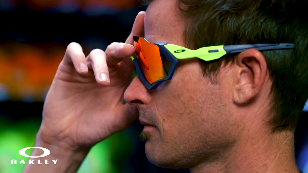 22ce1618eb Oakley Unleashes The Future of Cycling With Their ARO Series