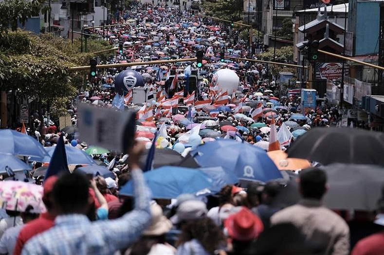 哥斯大黎加9月10日起展開大罷工,教師、電信工人、地方公務員與學生紛紛加入行列。(圖片來源:EFE)