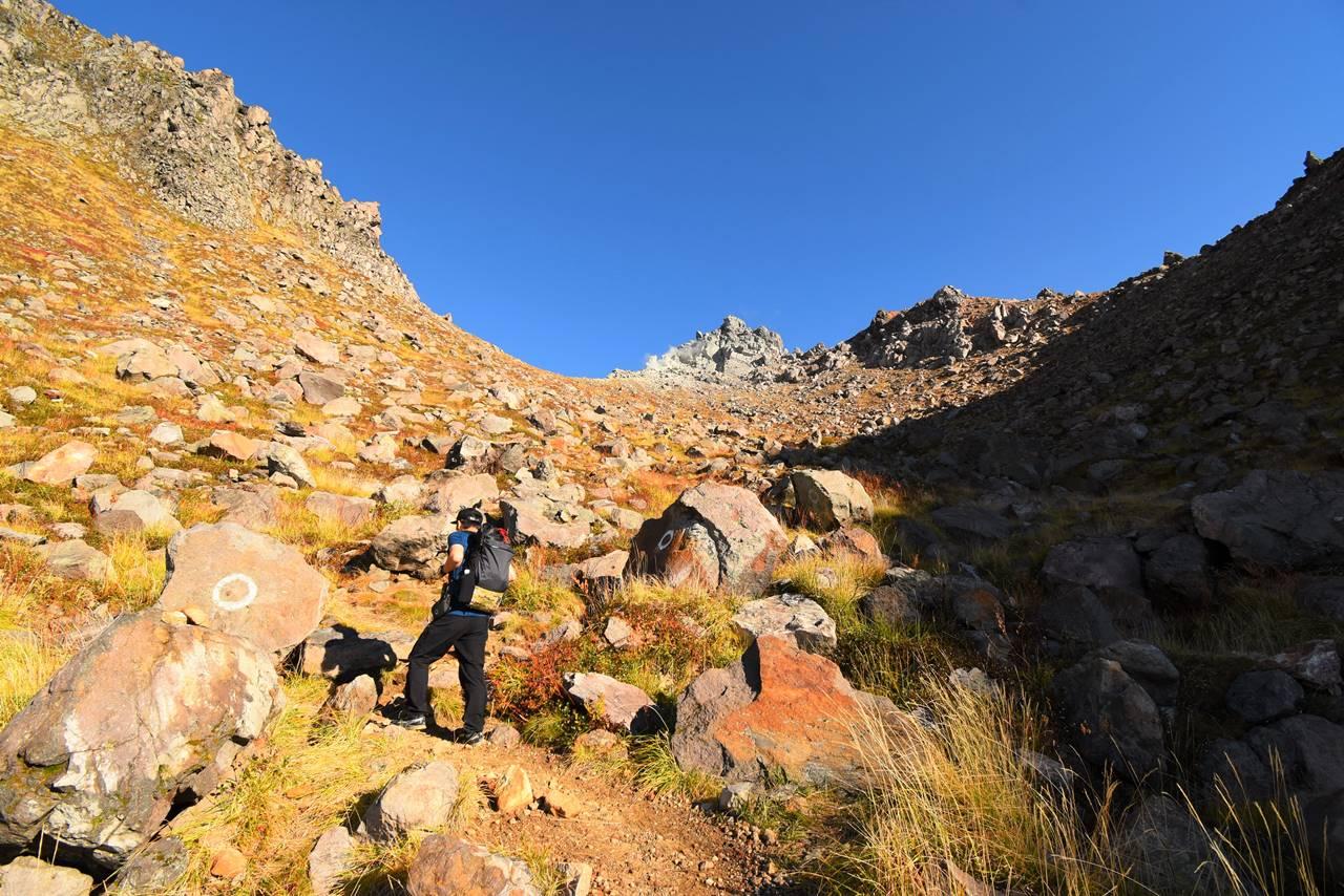 焼岳 岩場の登山道