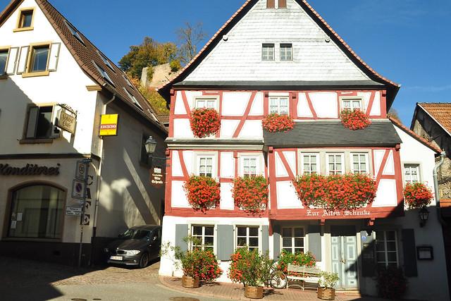 Ausflugsfahrt durch die herbstliche Pfalz nach Wolfstein im Königsland ... Foto: Brigitte Stolle