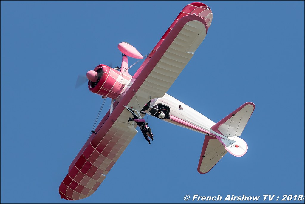 46 Aviation Wingwalker Danielle pink , Meeting aérien Des Étoiles et des Ailes 2018 - Aéroport de Toulouse Francazal , Canon EOS , Sigma France , contemporary lens , Meeting Aerien 2018