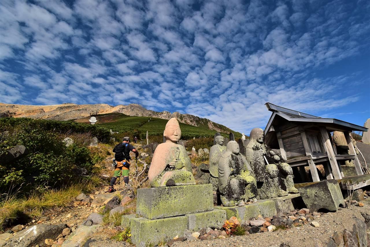 御嶽山登山道の仏様