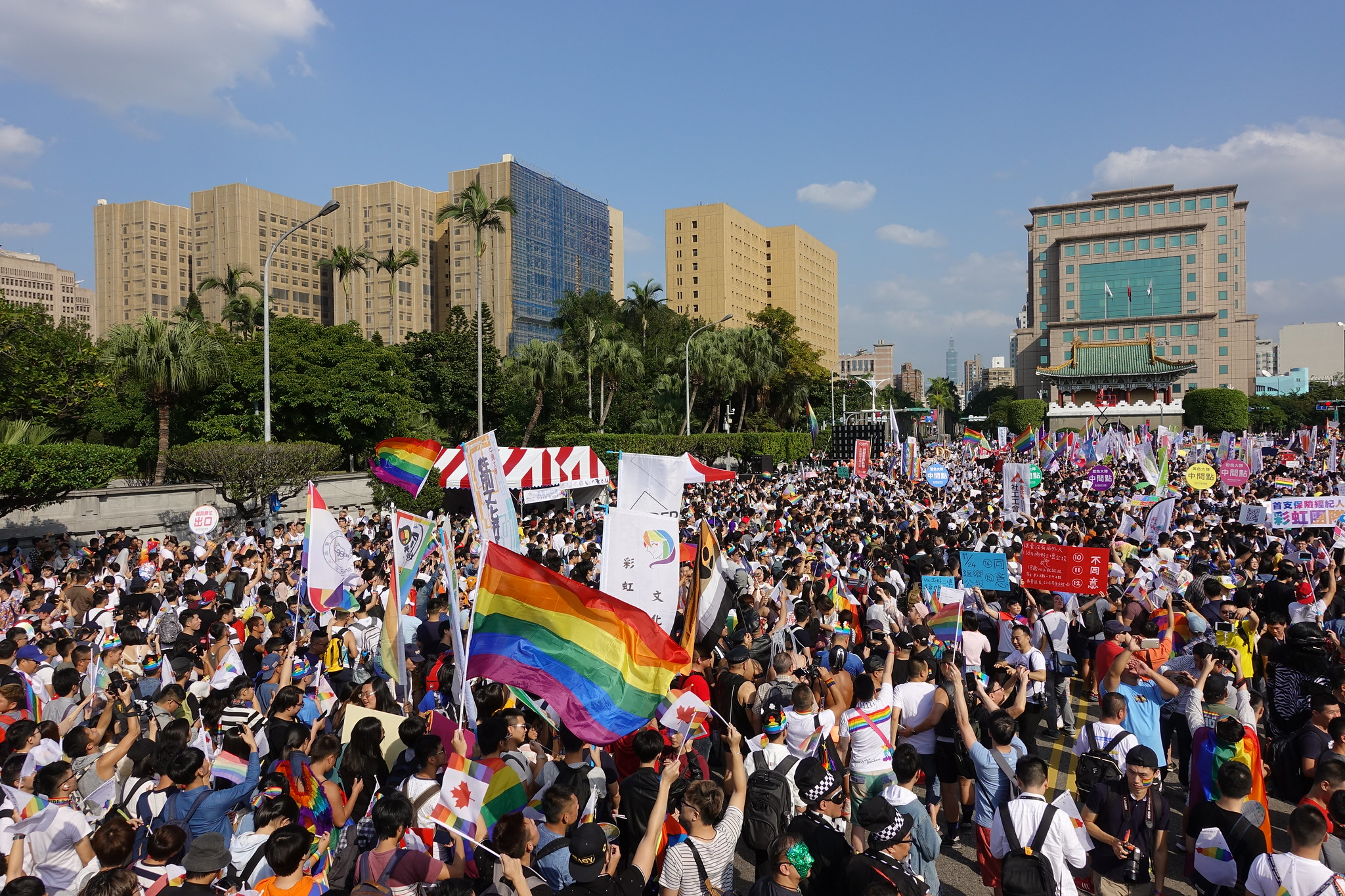 今年同志遊行人數再度創下歷史新高。(攝影:張智琦)