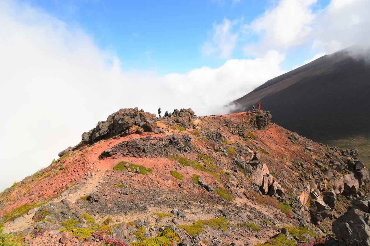 浅間山Jバンドから外輪山の稜線に出る