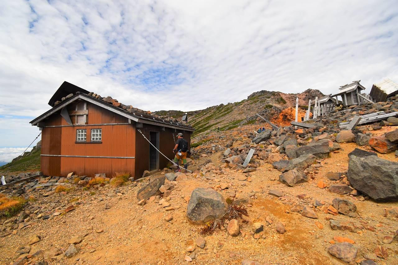 御嶽山・サイノ河原避難小屋