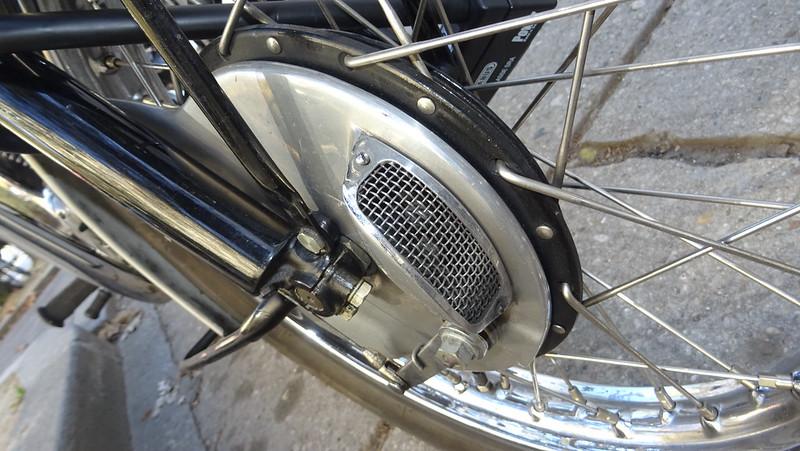 Triumph Bonneville 650 T120, la vraie........ 45180566692_0dfdd3d239_c