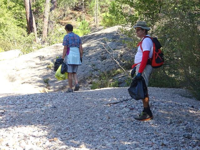 Nettoyage des deux rives du Cavu en remontant vers Ranuchjaghja (Trois-Piscines)