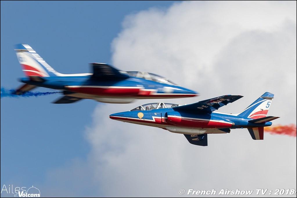 Patrouille de France , Ailes et Volcans - Aérodrome d'Issoire - Le Broc , Cervolix 2018 & La Montagne , Canon EOS , Sigma France , contemporary lens , Meeting Aerien 2018