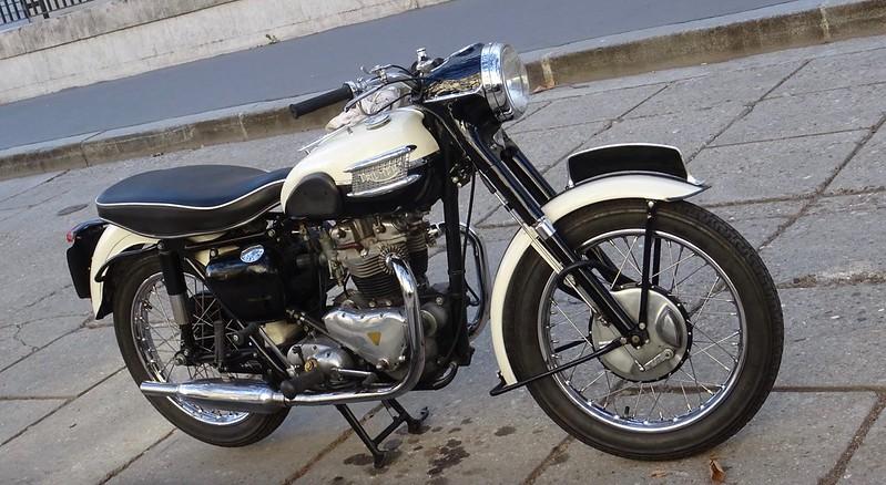Triumph Bonneville 650 T120, la vraie........ 45230430001_a3d6b42e14_c