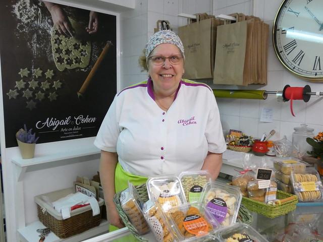 Abigail Cohen, propietaria de la pastelería La Candela (Hervás)