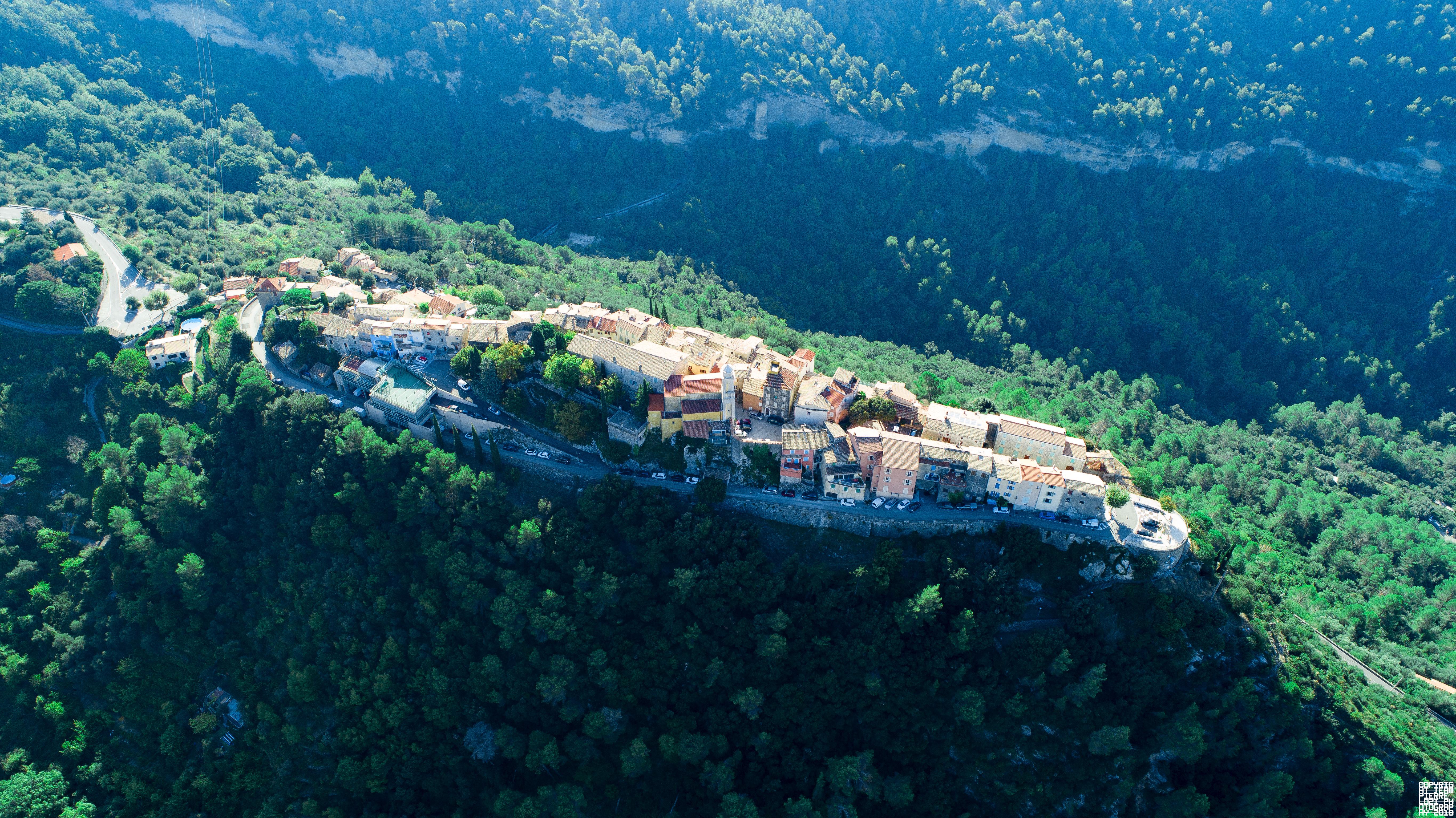 La Roquette-sur-Var, Alpes-Maritimes, France [5464x3070]