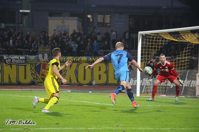 TuS Koblenz - FC Hertha Wiesbach  0:0 30530070617_f75183723f_z