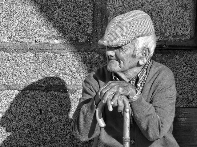 Anciano en Ceclavín (Cáceres, Extremadura)